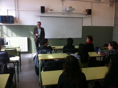 Sergi de los Rios conversa amb els alumnes de l'IES Vidal i Barraquer