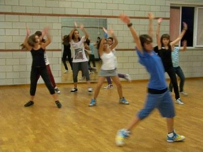 El grup de dansa del Club dels Tarraconins ja té nous ballarins