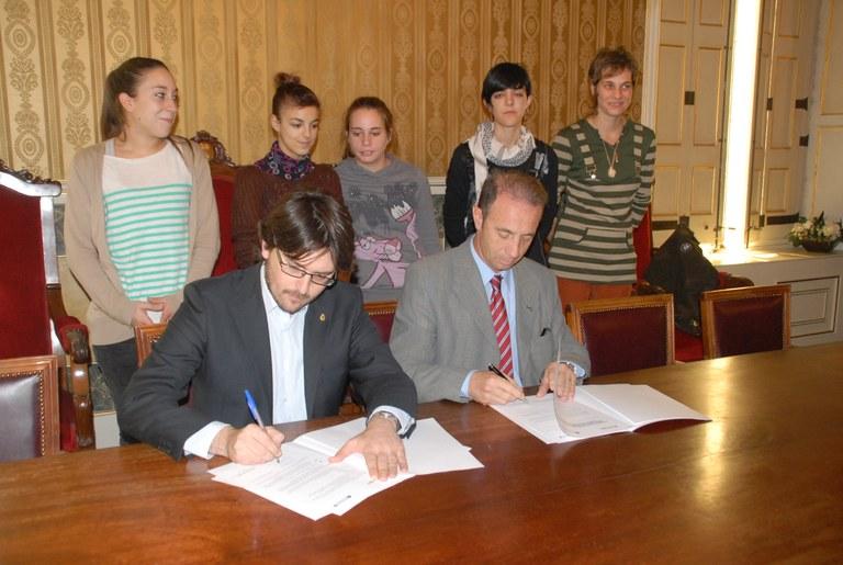 L'Ajuntament signa un conveni amb l'IES Vidal i Barraquer
