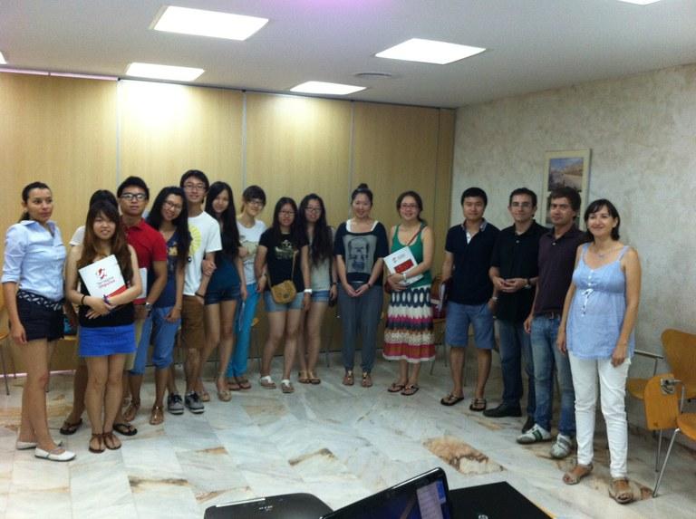 Un grup d'estudiants xinesos de la URV visita el Viver d'empreses Pau Delclòs