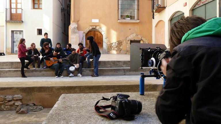 La Tarragona Film Office ha col·laborat amb el rodatge del primer videoclip del grup tarragoní El Son de la Chama en diferents espais de la Part Alta.