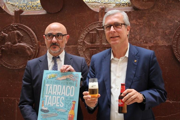 Estrella Damm presenta a l'alcalde Ballesteros la nova edició del Tarraco Tapes
