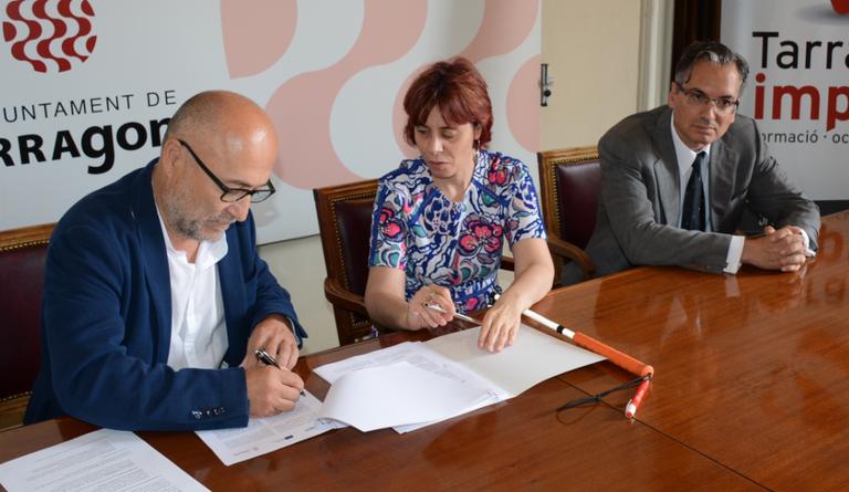 L'Ajuntament i Inserta Empleo signen un conveni per fomentar la integració laboral de les persones amb discapacitat
