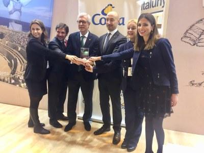 L'Alcalde Ballesteros signa un acord de col·laboració amb Renfe Viajeros per promocionar activitats turístiques i culturals a Tarragona