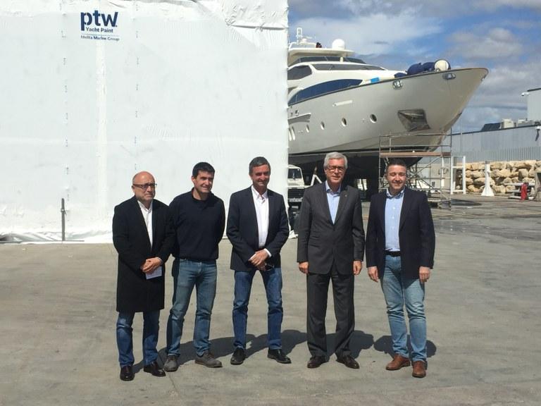 L'Alcalde Ballesteros visita l'empresa PTW dedicada a la reparació i manteniment de vaixells, un sector emergent a Tarragona