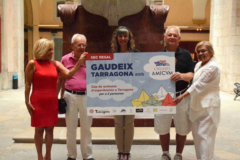 Lliurament del premi de la campanya «Gaudeix Tarragona amb Cruises Amicvm!»
