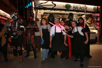 Els personatges de Starraco Wars visiten els mercats de Tarragona