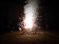 El Carnaval s'acomiada amb l'enterrament del Carnestoltes i la crema dels Ninots