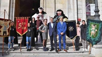 El Ninot, la Ninota i la Bóta reinvidiquen un món més sostenible per a aquest Carnaval 2020