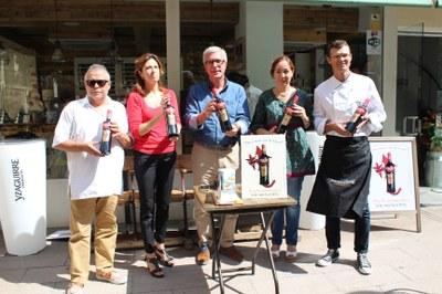 Presentada la nova ampolla commemorativa de Vermut Yzaguirre 2015