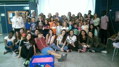 alumnes Institut Camp Clar homenatge a Josep Vallverdú