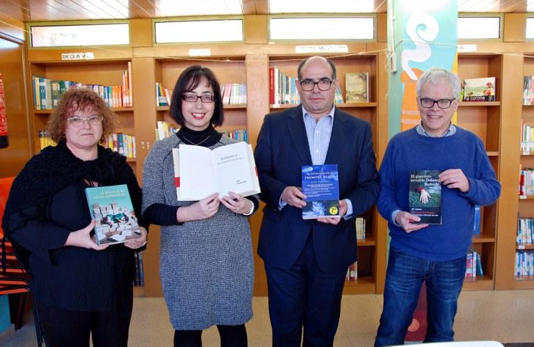 El Club de Lectura de Basf dóna un lot de llibres a la Biblioteca de Torreforta
