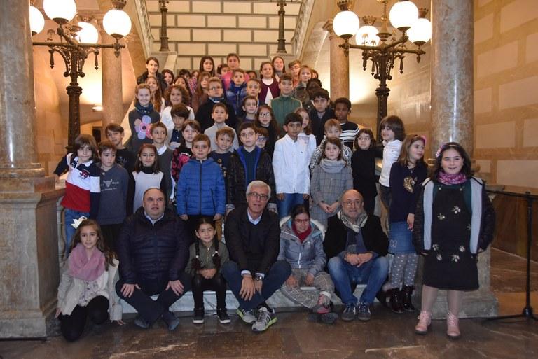 L'Arbre dels Desitjos ja llueix els missatges dels infants de Tarragona