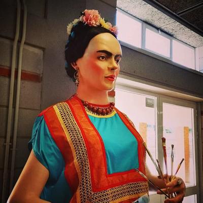La geganta Frida està exposada al Centre Cívic de Sant Pere i Sant Pau
