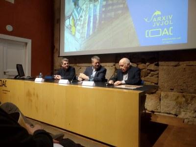 """L'alcalde assisteix a la inauguració de l'exposició """"Jujol i el dibuix"""""""