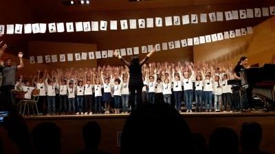 Èxit de la Cantata 'La Clàudia Sol té un do' a Vila-Seca amb la participació dels alumnes de 1r i 2n de l'Aula Centre de l'EMMT