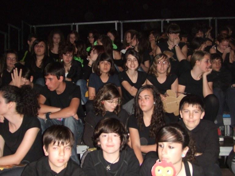 Alumnes de l'Institut Martí i Franquès participen en l'òpera 'El petit escuraxemeneies' de Benjamin Britten