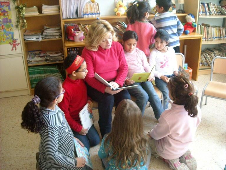 Cinc centres d'ensenyament apliquen el programa 'Biblioteques Escolars Obertes'