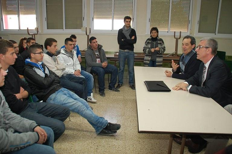L'Alcalde Josep Fèlix Ballesteros repassa l'actualitat municipal a l'escola Joan XXIII
