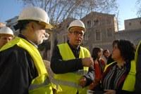L'alcalde visita l'edifici de la Chartreuse