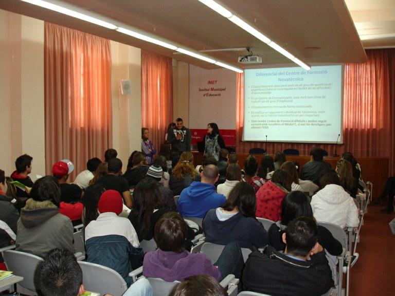 Més de 200 alumnes participen dels dijous temàtics a l'IMET