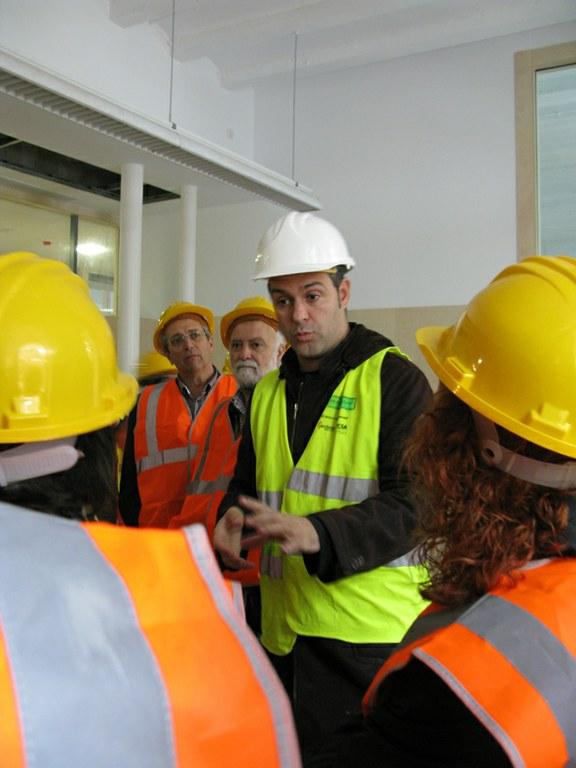 Els membres del consell escolar de l'Escola Oficial d'Idiomes (EOI) visiten les obres de la Chartreuse