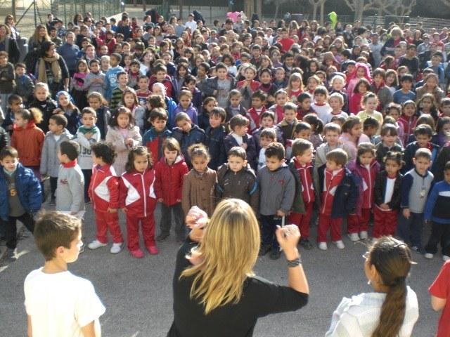 L'Escola Sant Pere i Sant Pau celebra el Dia Internacional de la Pau i la No-Violència