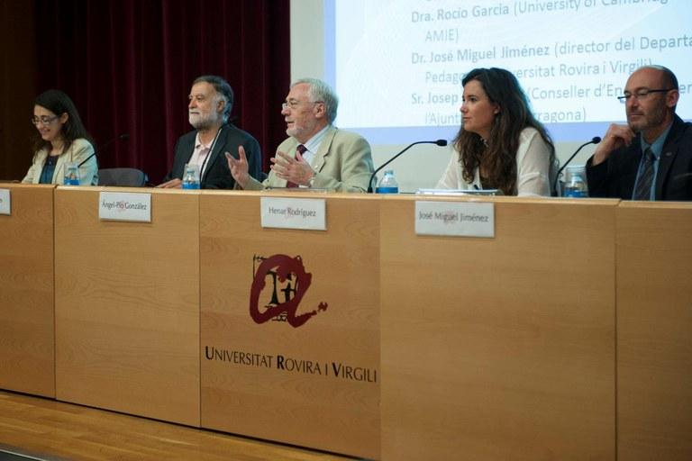 El conseller d'Ensenyament, Joan Sanahujes, participa en el segon congrés internacional multidisciplinar de recerca educativa.