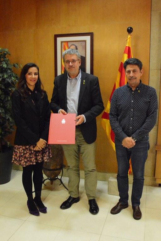 L'Ajuntament de Tarragona, l'Empresa Mixta de Serveis Fúnebres i el Col·legi Oficial de Psicologia de Catalunya signen un conveni per desenvolupar accions de formació i atenció al dol en l'àmbit educatiu