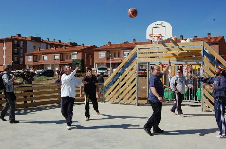 Inauguració de la pista poliesportiva de l'Albalda