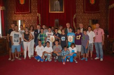 L' alcalde de Tarragona, Josep Fèlix Ballesteros, va presidir l'acte de reconeixement i felicitació al Club Escola de Futbol Sant Pere i Sant Pau