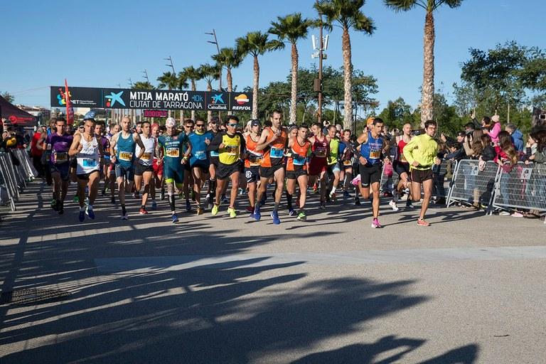 Més de 1.500 atletes participen amb èxit a la mitja marató més sostenible