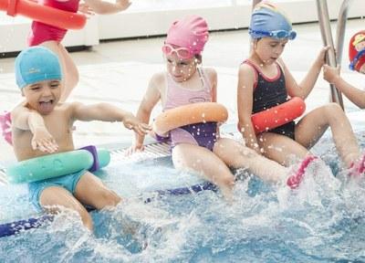 El Patronat d'Esports prepara la quarta edició de 'Juguem a nedar', per al curs vinent