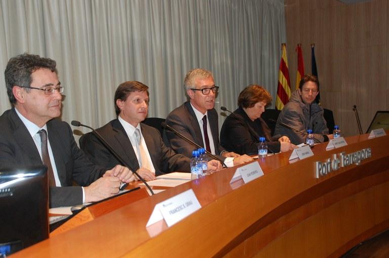 Una delegació d'eurodiputats visita el Port de Tarragona, les instal·lacions petroquímiques i el Centre Tecnològic de la Química de Catalunya