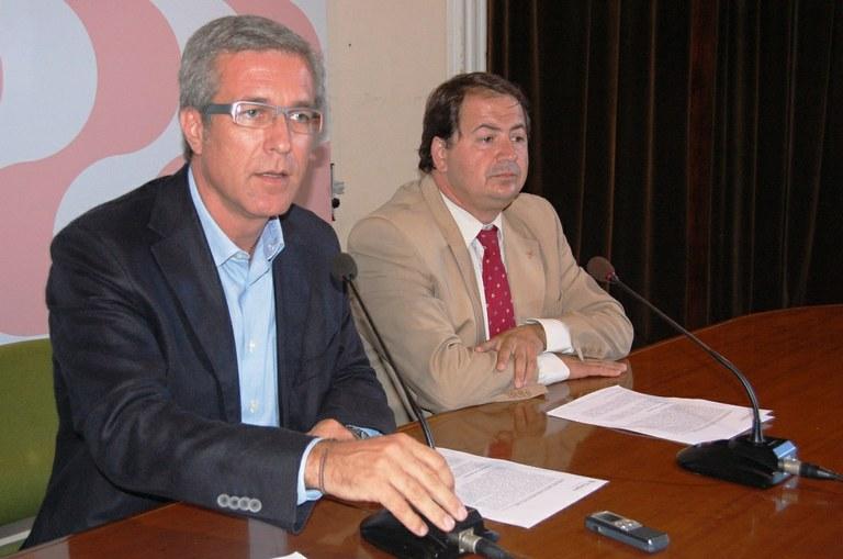 L'Ajuntament congela i baixa impostos per al 2010