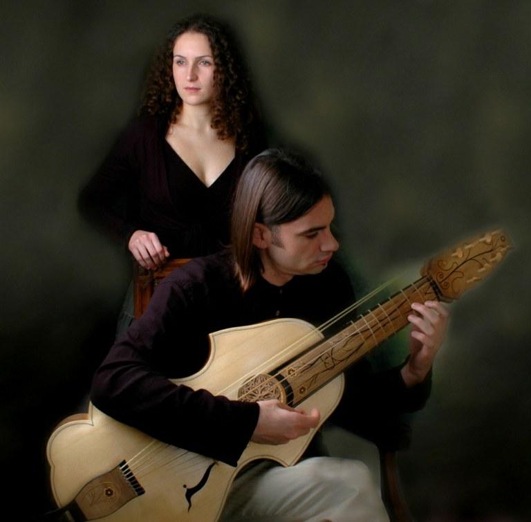 """Engeguen les """"Històries a la fresca"""" amb el concert del grup Cantar alla Viola"""
