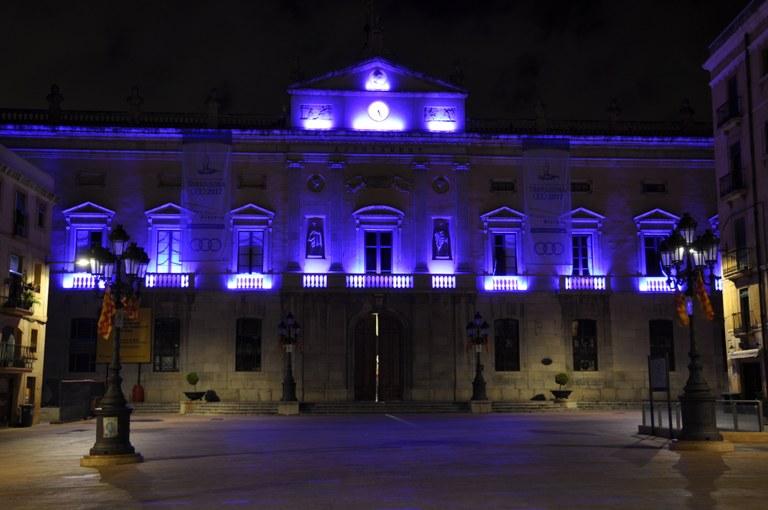 L'Ajuntament presenta una nova il·luminació de la façana municipal més eficient i sostenible
