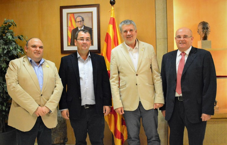 L'alcalde rep en visita institucional la junta directiva de l'AEQT