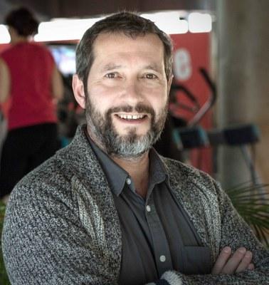 Carles Porta, protagonista del cicle 'La ciutat a cau d'orella' de la Conselleria de Joventut