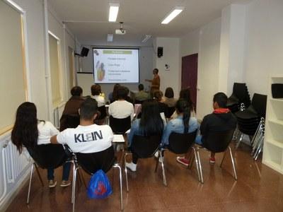 Nou taller de cerca de feina a l'estiu per a joves
