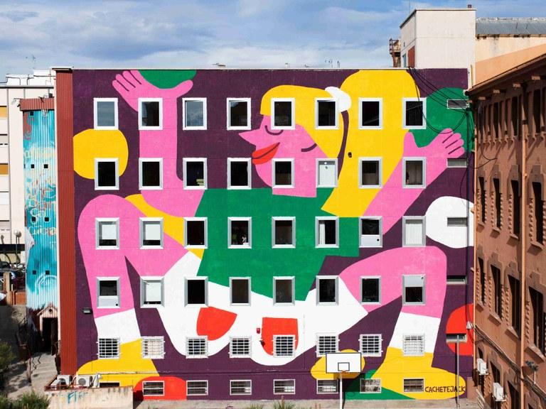 El col·lectiu Cachetejack finalitza el gran mur artístic a l'Espai Jove Kesse