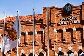 Josep Fèlix Ballesteros felicita al Rector de la URV pel reconeixement a la Rovira i Virgili per estar situada entre les 5 millors universitats de tot l'Estat