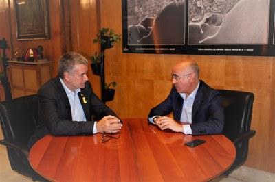 L'alcalde Ricomà rep el delegat del Govern, Òscar Peris