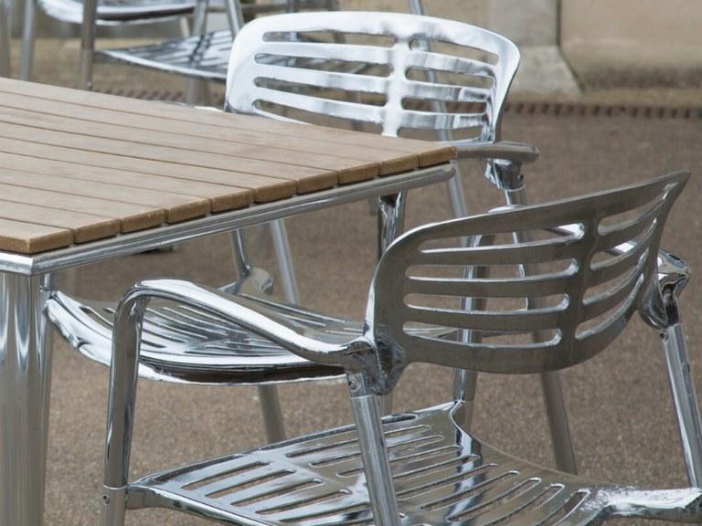 L'Ajuntament adverteix que les terrasses a la via pública han de complir la normativa sanitària per la COVID-19