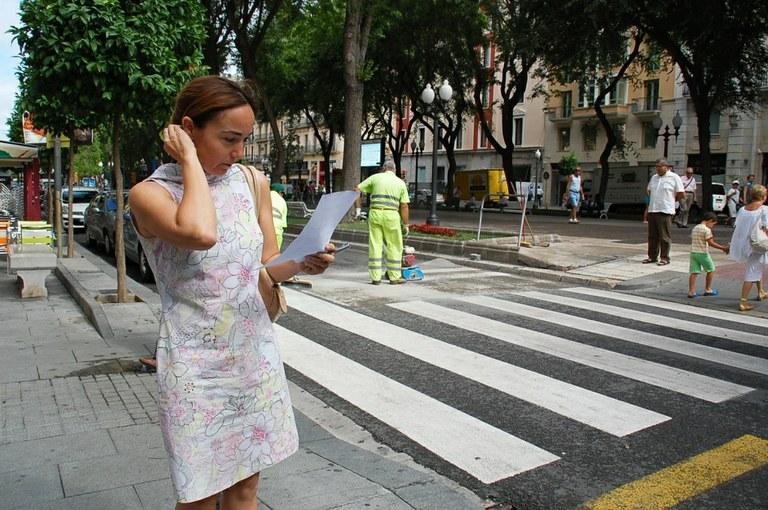 L'Ajuntament engega una prova pilot per augmentar la seguretat als passos de vianants
