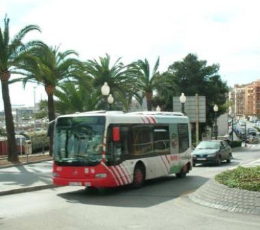 Canvis en les parades d'autobusos de la L-8, amb motiu de les Festes de la Vall de l'Arrabassada