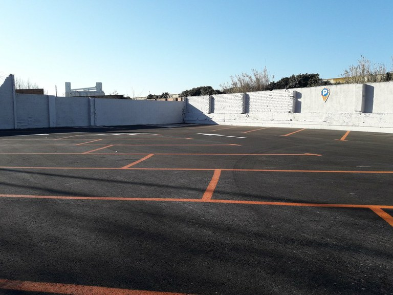 Comencen els treballs previs d'adequació de l'aparcament dissuasiu de la Nacional 340