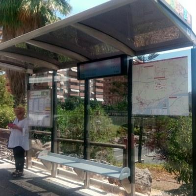 Instal·lats els primers panells d'informació a les parades d'autobús de l'EMT