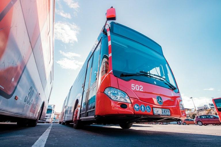 L'EMT mobilitza tota la flota d'autobusos disponible per donar sortida a la demanda de servei en hores punta