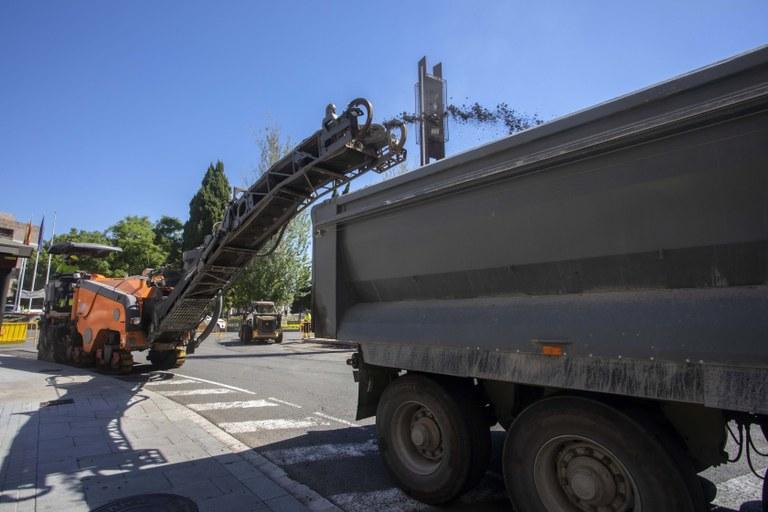 Comencen les obres de pavimentació i del carril bici del carrer Pere Martell